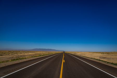 Route 160 is a highway that runs through the Ute Mountain Preservation in southwestern colorado. 版權商用圖片