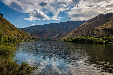 A view of the Snake River at the stateline of Idaho and Oregon in Hells Canyon.`