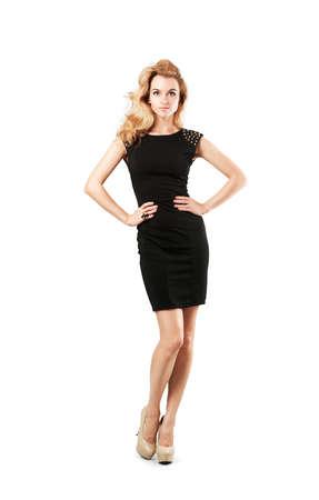 petite fille avec robe: Cadrage Portrait d'une femme blonde sexy en petite robe de mode noir sur blanc isolé