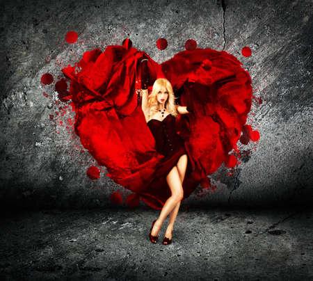 heartbreaker: Mujer atractiva con el coraz�n de la Seda Hermoso Salpicar Concepto Amor de San Valent�n