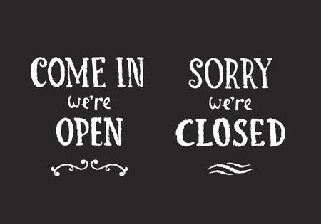 désolé: Vecteur de Chalk Hanging signes sur Blackboard. Come In Nous sommes ouverts et désolé, nous sommes main fermée Drawn détail illustrations. Illustration