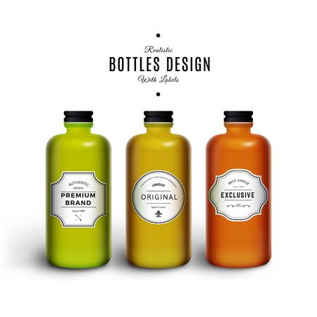 bebida: Realistas Garrafas coloridas do vetor com etiquetas do vintage. Produto Design de Embalagem. Recipiente de Pl