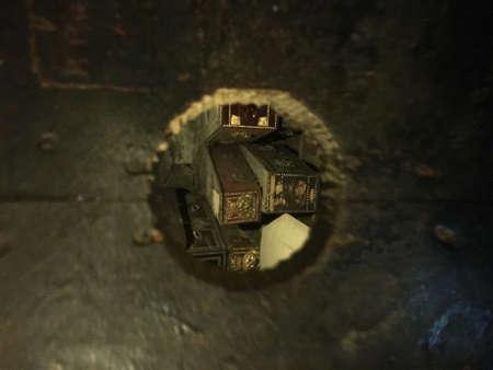 Peak in a Crypt