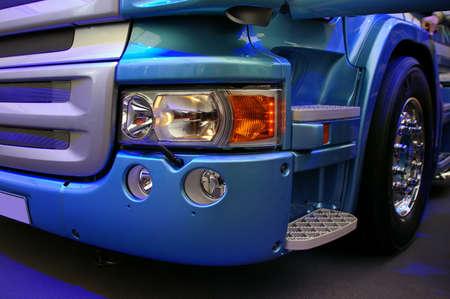 xenon: detalles del nuevo modelo exclusivo de camiones  Foto de archivo