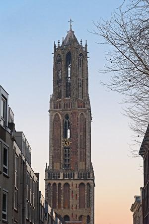 聖マーチン ユトレヒト大聖堂の domtower などの表示