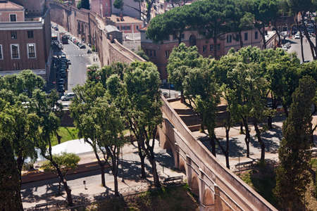 fortify: Passetto di Borgo connecting Vatican City with Castel SantAngelo