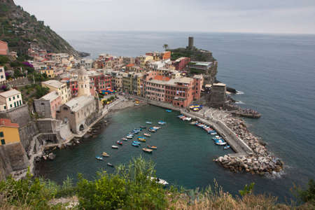 vernazza: Vernazza harbor and beach, view from above