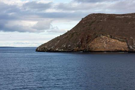 dafne: Isola Daphne con diverse fregate in aria