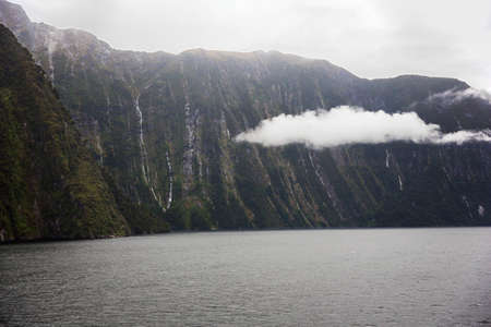 milford: Clouds floating in Milford Sound