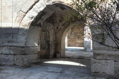 seljuk: Stone kiosk-mosque inside the caravanserai