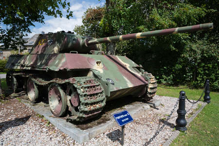bulge: Panther of the 2 Panzer SS in Grandmenil