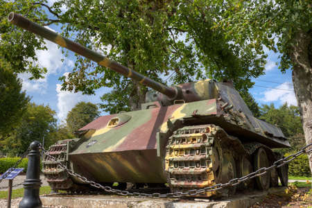 Panzer: Low viewpoint of the Panther of the 2 Panzer SS in Grandmenil Stock Photo