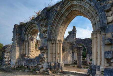 ww1: Entrance to the center of the ruins of the abbey Vauclair Stock Photo
