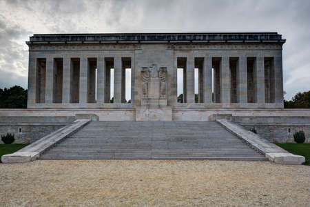 ww1: Frontal view of the monument Editorial