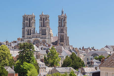 The Our Lady of Laon Cathedral dominating the skyline of the city 스톡 콘텐츠