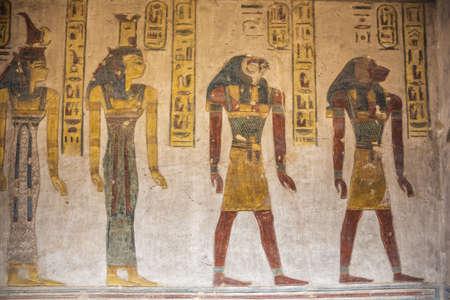 Pinturas murales en la tumba de Ramsés III cerca de Luxor.