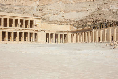 Side view of the Temple of Hatshepsut in the vicinity of Luxor Фото со стока