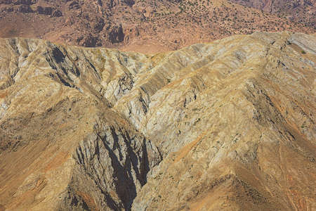 Deep crevasses in the mountains on the Tizi n'Tichka pass on road 9 from Marrakech to Ouarzazate 版權商用圖片