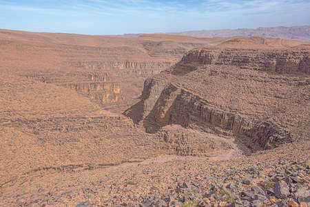 Looking down in a canyon on the Tizi'n-Tinififft mountain pass on road 9 between Ouarzazate and Agdz 版權商用圖片