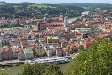 The old city of Passau with the Danube and the Inn seen from Veste Oberaus Redactioneel