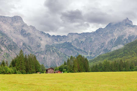 Reaching the end of the valley at the Almsee, seen from the parking lot Archivio Fotografico