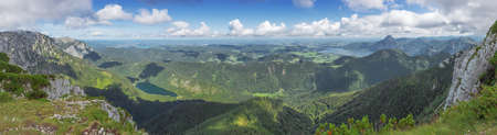 Panorama of the pre Alps with the Traunsee, the Vorderer Langbathsee and the Attersee, seen from the the summit of the Alberfeldkogel 스톡 콘텐츠