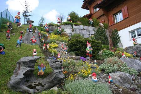 gnomos: Suiza gnomos  Foto de archivo