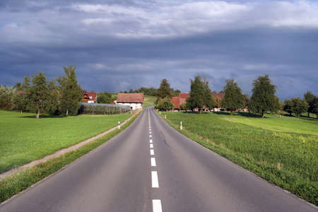 cultivable: Sunny road