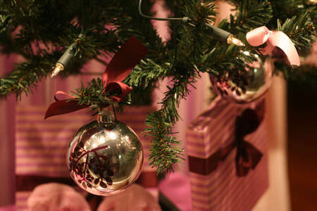 seeting: christmas tree decoration