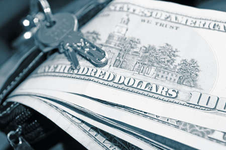 grand hard: Money and key