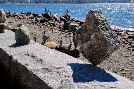 Incredibl rock balancing, Vancouver, Canada. Reklamní fotografie