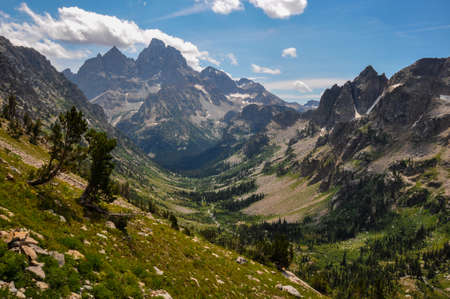 tats: Paintbrush Canyon Trail in Grand Tetons National Park, Wyoming, USA.