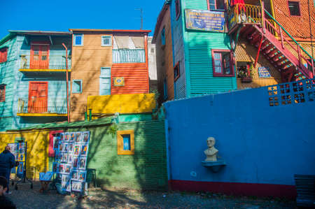 la boca: La Boca colorful houses neighborhood, Buenos Aires, Argentina.