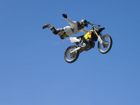01: FREESTYLE MOTOR CROSS 01