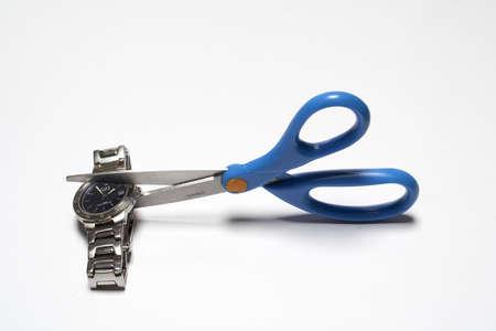 winder: Cutting clok with scissors