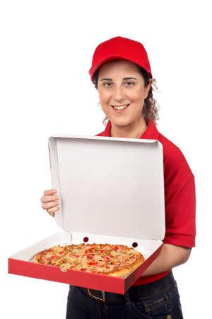 nutriments: Una mujer entrega de pizza la celebraci�n de una pizza caliente. Aislado en blanco