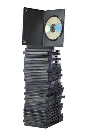 batch: Hornada de las pel�culas de DVD en las cajas de embalaje aisladas en el fondo blanco