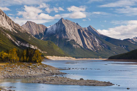 Medicine Lake, Jasper National Park, Alberta, Canada Banco de Imagens