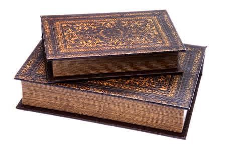 오래 된 책 클리핑 패스와 흰 배경에 고립의 쌍.