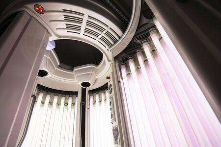 machine for total body tanning Standard-Bild