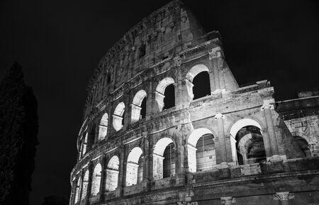 Roma coliseum in the night