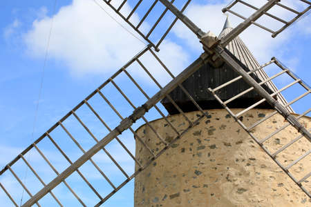 detail of the blades of the mill that stands on the hill in the hinterland of the Porquerolles Island 版權商用圖片