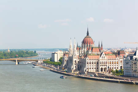 View of the Budapest Parliament, and the Danubio river Stockfoto - 151085181
