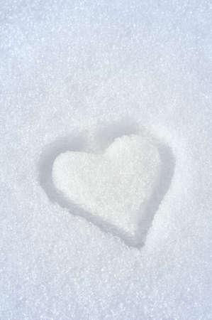 schnee textur: Herz auf dem Schnee Lizenzfreie Bilder