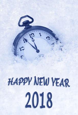 英語、雪の中で懐中時計で 2018 年賀状