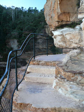 A view of the cliff walk at Wentworth Falls in the Blue Mountains west of Sydney 스톡 콘텐츠 - 136634188