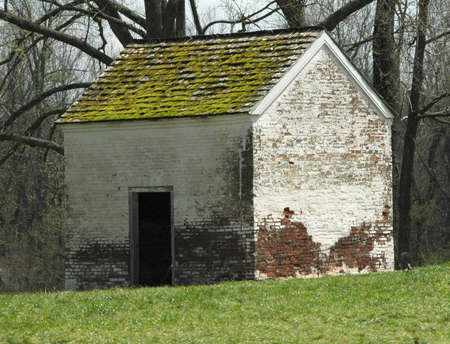 ante bellum old spring  house