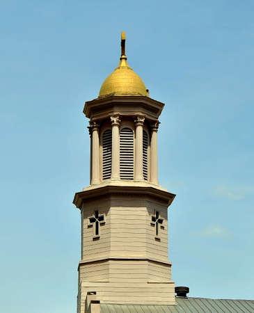 Gouden kerk steeple