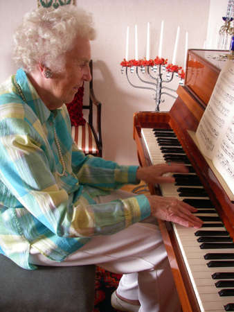 Piano Lady photo