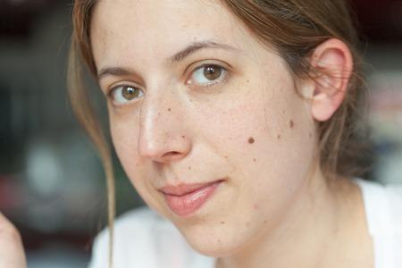 sensory perception: Portrait of a mid adult woman